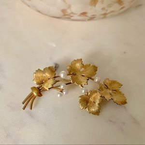 Vintage Gold and Pearl Pin